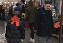 İstanbulda karara uymayan bazı aileler pazara çocuklarıyla geldi