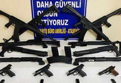 Ataşehirde yasa dışı silah ticareti yapan 3 kişi yakalandı