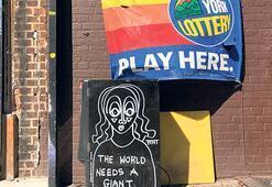 Sokak sanatçılarından korona mesajlı çizim