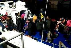 İzmirde Yunan adalarına geçmeye çalışan 50 göçmen yakalandı