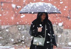 Erzuruma 1 Nisan sürprizi Her yer beyaza büründü