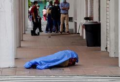 Son dakika haberi... Cesetleri sokaklara attılar Corona virüsten ölenler...