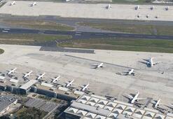 Yer: Atatürk Havalimanı Uçaklar peronlara tek tek yanaştırıldı