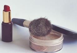 Makyaj yapmak orucu bozar mı Diyanete göre; oruçluyken yüze makyaj yapmak