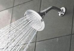 Yıkanmak orucu bozar mı Oruçluyken duş almak orucu bozar mı Diyanet cevapladı