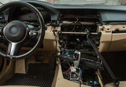Lüks otomobilin tüm elektronik aksamı 3 saatte çalındı