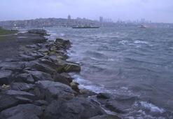 Son dakika: İstanbulda fırtına etkili oluyor