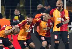 Galatasarayda ayrılığı duyurdular Ünlü hoca istedi...