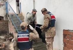 Askerleri tekmil vererek karşıladı