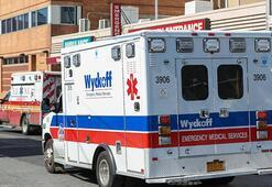 New York'ta corona virüsten ölenlerin cenazeleri mobil morglara yüklendi