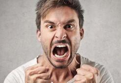 Küfür orucu bozar mı Oruçluyken küfür etmek, küfürlü konuşmak orucu bozar mı Diyanet açıkladı