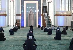 Son dakika haberler: Ramazanda camilerde teravih kılınacak mı Diyanet Başkanı açıkladı