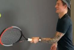 Toni Kroos da Federer akımına uydu, duvarla tenis oynadı...