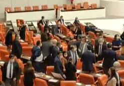 Son dakika Mecliste tartışma çıktı, sosyal mesafe aşıldı