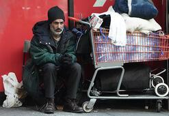 Corona virüs salgınının merkezi New Yorkta evsizler hala sokaklarda
