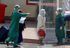32 umreci corona virüsü yenip alkışlarla uğurlandı