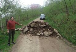 Şehre giden alternatif yollar, moloz dökülerek kapatıldı