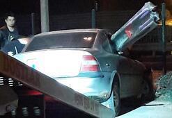 Bariyer otomobile saplandı Sürücü yara almadan kurtuldu
