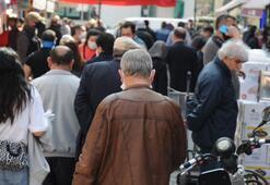 Eskişehir'de pes dedirten görüntü Sosyal mesafeyi hiçe sayıp akın ettiler