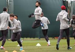 Liverpooldan video antrenmanlara geç kalan futbolculara para cezası