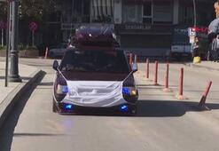 Corona virüse dikkat çekmek için otomobile maske taktı