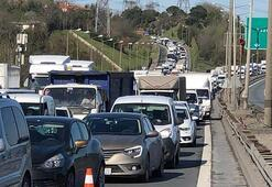 Trafik kilit TEMde zincirleme kaza...