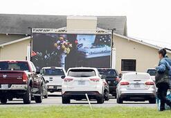 Açık hava sinemasında cenaze töreni