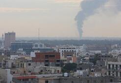 Libyada hükümet güçleri Trablusun batısındaki Hafter milislerini  bombaladı