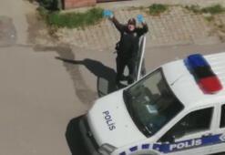 Polis Baby Shark dansı ile evde kalan çocuklara moral verdi