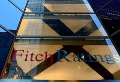 Fitch, Hong Kongun kredi notunu düşürdü