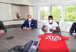 Bayern Münih, Daviesin sözleşmesini 2025e kadar uzattı