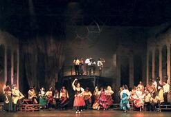 Opera ve balenin klasikleri evlerde
