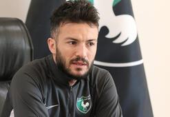 Özgür Çek: Benfica ve Valenciadan teklif aldım