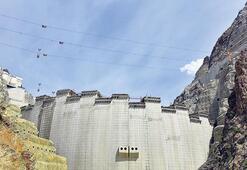 En yüksek baraj son sürat bitiyor