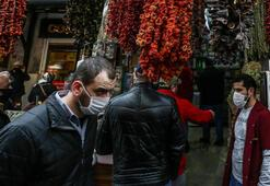 Sokağa çıkma kısıtlaması öncesi Eminönünde alışveriş yoğunluğu