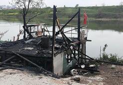 Balıkçı barınağı, yangında kullanılmaz hale geldi