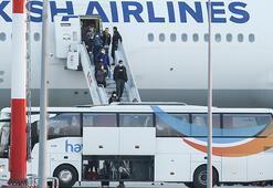 Kanadadan 349 Türk vatandaşı İstanbula getirildi