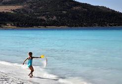 Salda Gölü için korkutan uyarı 'Kum değil, ayak bile basmayın...'