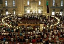 İlk Teravih namazı saat kaçta Teravih namazı evde kılınır, evde cemaat yapılır mı İl İl Teravih namazı vakitleri