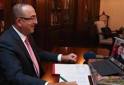 Bakan Çavuşoğlu, video konferans ile koltuğunu Antalyadaki şehit çocuğuna devretti
