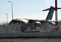 İngiliz askeri kargo uçağı sağlık ekipmanları almak için İstanbul'da