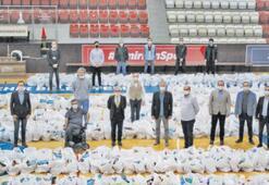 İzmir Büyükşehirden sporculara yardım eli