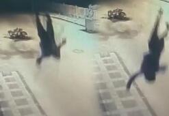 Motosikletteki yolcu metrelerce havaya fırladı