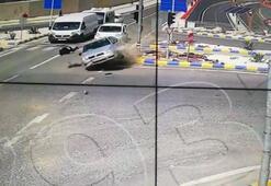 Otomobilin çarptığı yayayı metrelerce savurduğu kaza kamerada