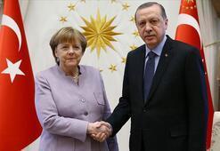 Son dakika Cumhurbaşkanı Erdoğan, Merkel ile görüştü