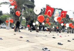 Turgutlu'da balonlar çocuk oldu