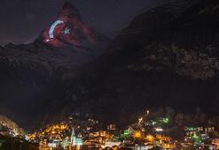 İsviçrenin dünyaca ünlü dağı kırmızı beyaz