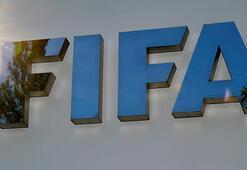 FIFA yöneticisinden tüküren futbolcuya sarı kart gösterilsin  önerisi