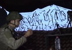 Mehmetçik silah başında iftar yapıyor