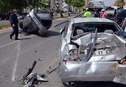 Kontrolden çıkan otomobil 5 araca çarptı